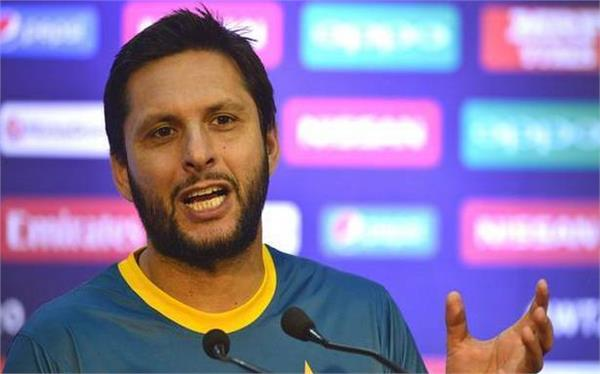 afridi is a good friend of 3 indian cricketers
