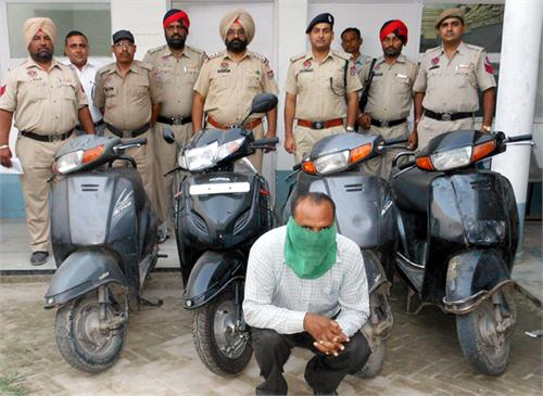 vehicle thieves arrested 4 honda activa exports