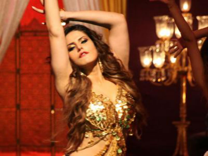 zareen khan pole dance
