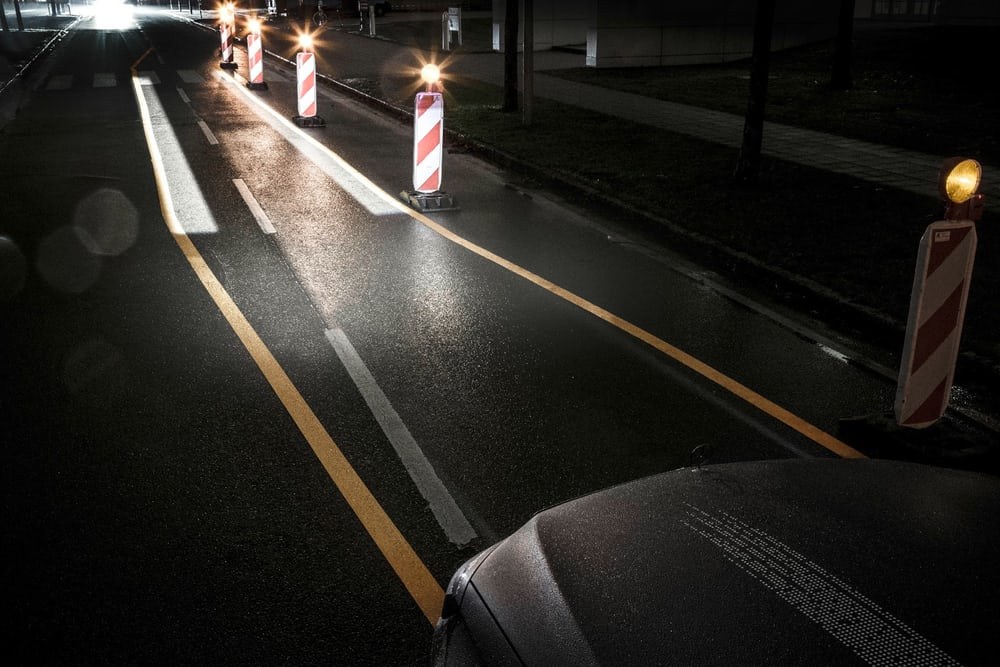 mercedes developed the new car lights that will help driver to see road sign
