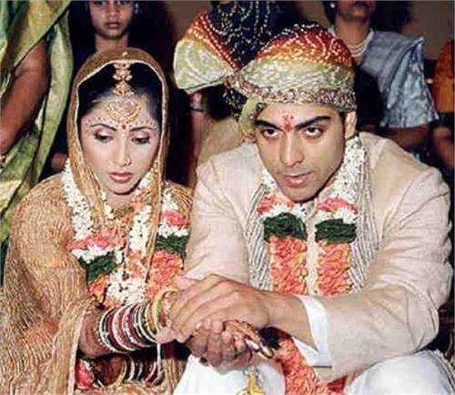 love story tv show s  wife  in love with ram kapoor vailanataina day  on marriage pics