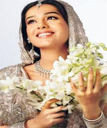 amrita rao all set for her tv debut in meri awaaz hi pehchaan hai