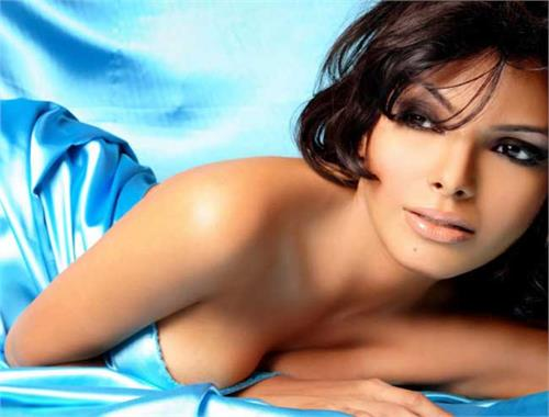 i slept with people for money sherlyn chopra