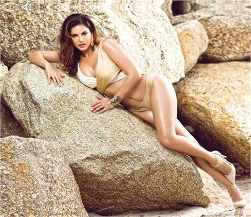 sunny leone manforce calendar photoshoot