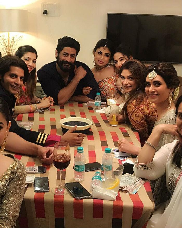 mouni roy celebratediwali with mohit raina