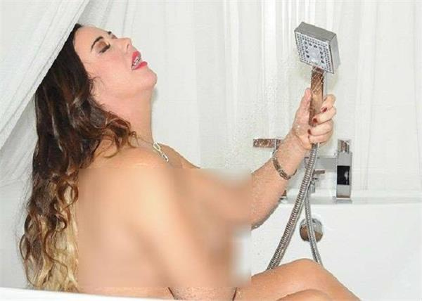 lisa appleton topless picture
