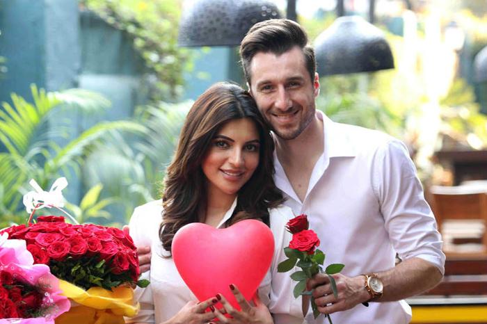 shama sikander celebrate valentine day with fiance jamse milliron