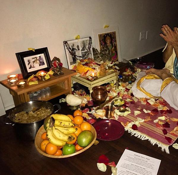 miley cyrus performs lakshmi puja at her home