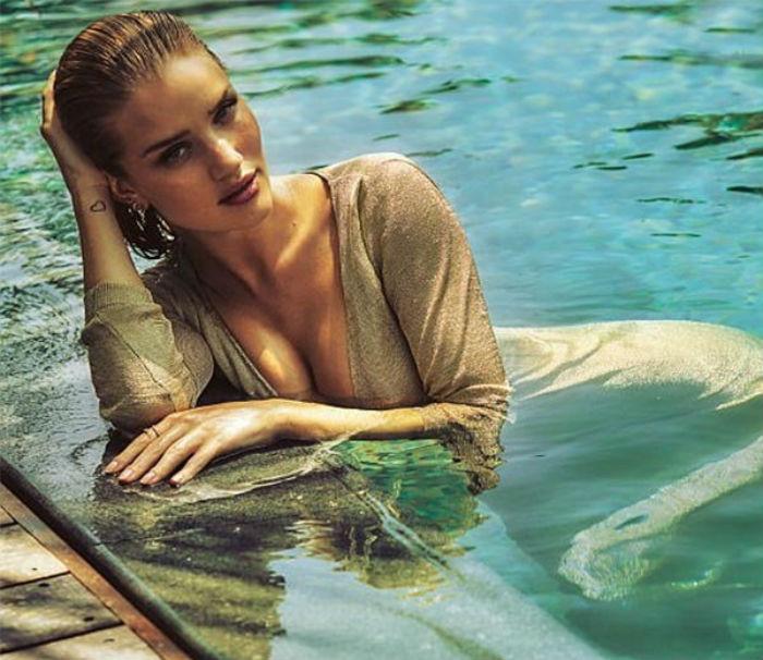 'Swimwear brand' ਲਈ ਇਸ ਹੌਟ ਮਾਡਲ ਨੇ ਵਰ੍ਹਾਇਆ ਹੁਸਨ ਦਾ ਕਹਿਰ (ਦੇਖੋ ਤਸਵੀਰਾਂ)