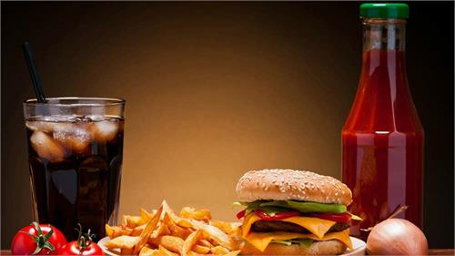 a complete ban on junk food and cold drinks at the jammu university