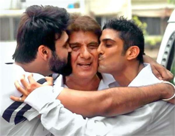 raj babbar s birthday bash with sons prateik and aarya