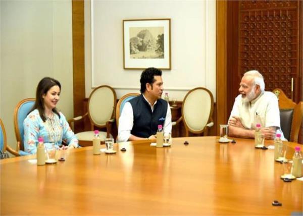 sachin tendulkar supports narendra modi govts vehicle electrification scheme