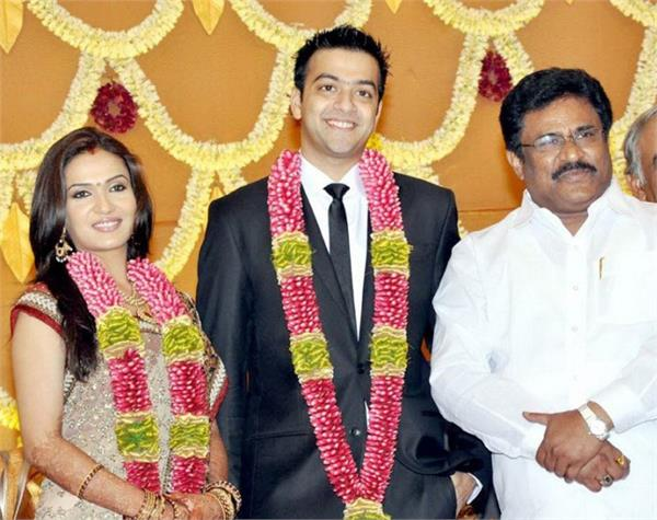 soundarya divorce