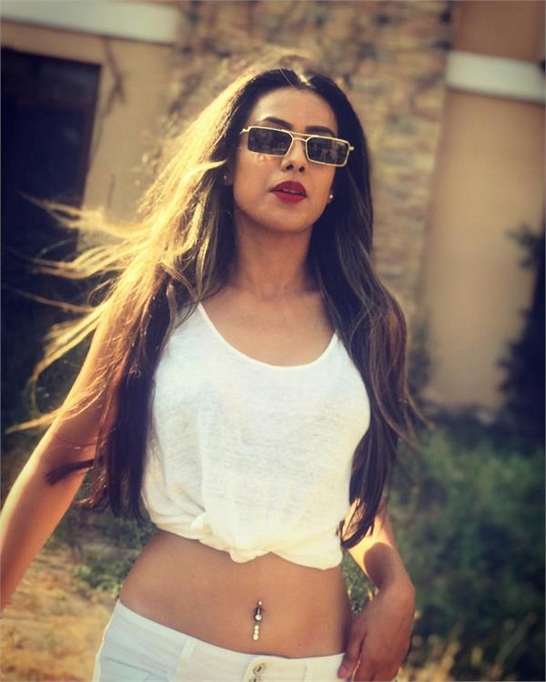 nia sharma hot look