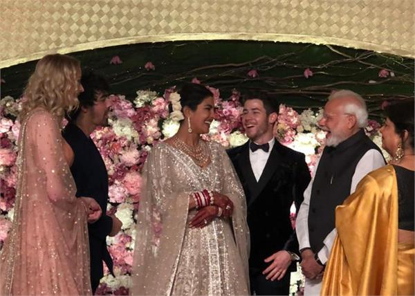 priyanka nick reception party pictures come in front