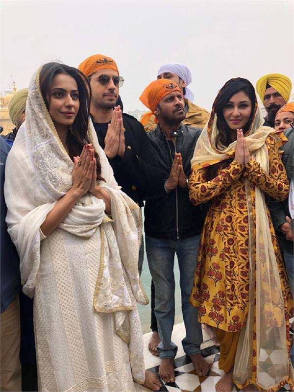 aiyaary star cast at golden temple