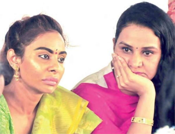 sandhya naidu and sri reddy