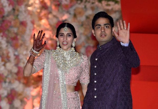akash ambani shaloka mehta pre engagement party