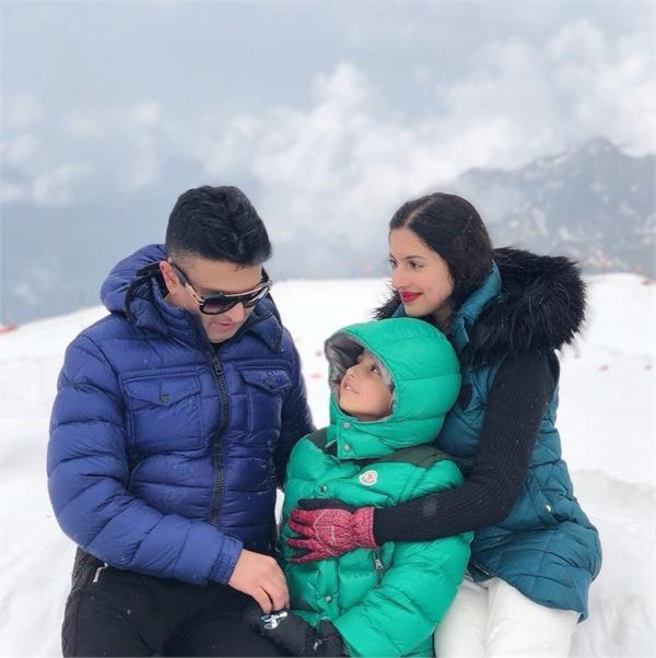divya khosla romantic pics with husband