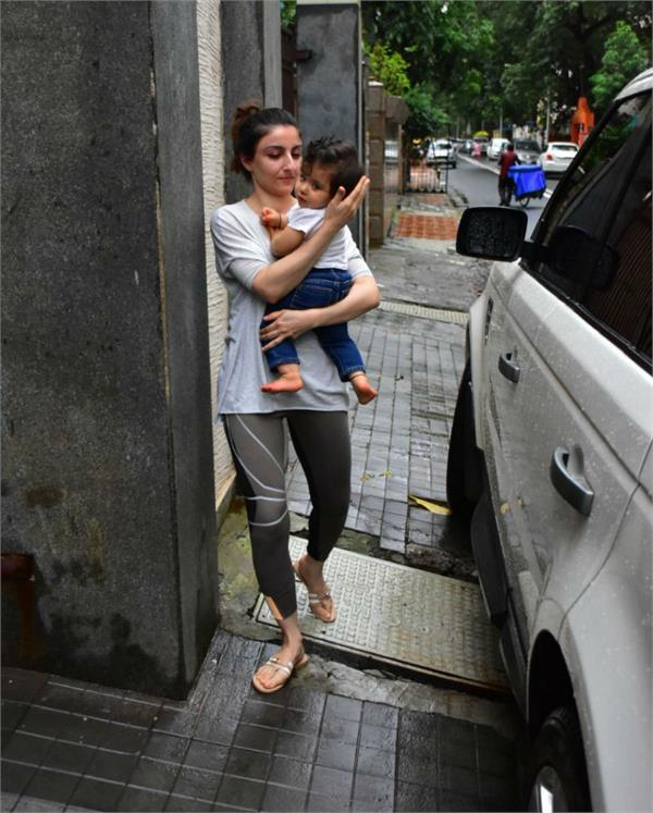 soha ali khan with baby inaaya will leave you smiling
