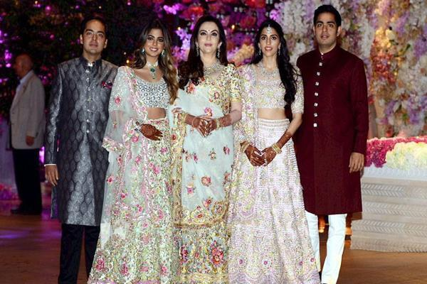 engagement of akash ambani and shaloka mehta