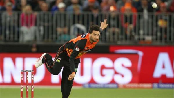 qadir s son usman in pak t20 squad out of surfer s test team