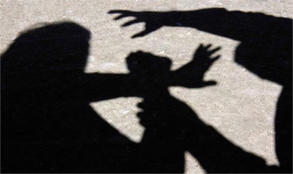 gurdaspur  lover  mother  beaten