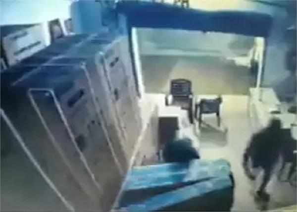 robber led tv theft guard video viral