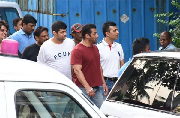 salman khan to shift residence and build a new home