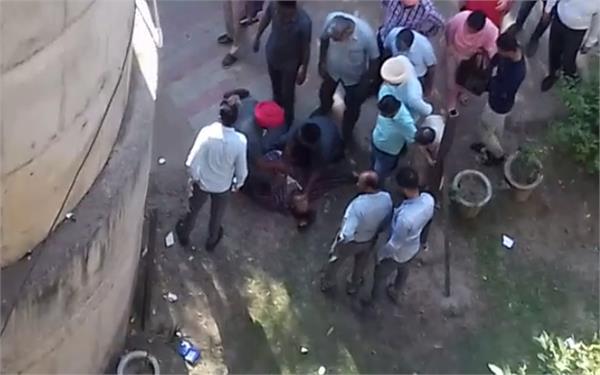 chandigarh secretariat  employees  suicide