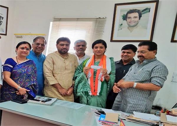 alka lamba joins congress