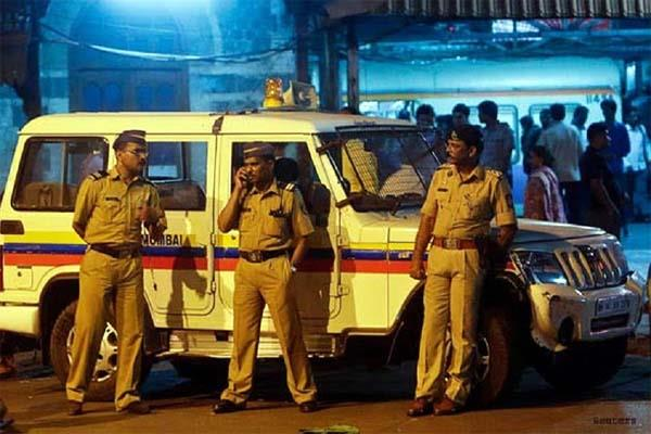 mumbai police raids  48 arrested