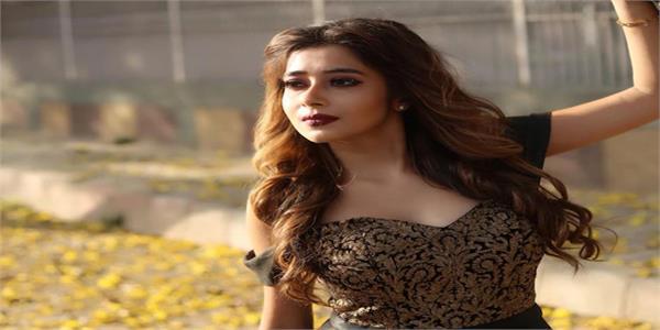 producer cheated   dayan   fame tina dutta  the actress said    30 lakh rupees