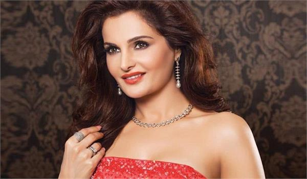 actress monica bedi gets mp high court relief in fake passport case