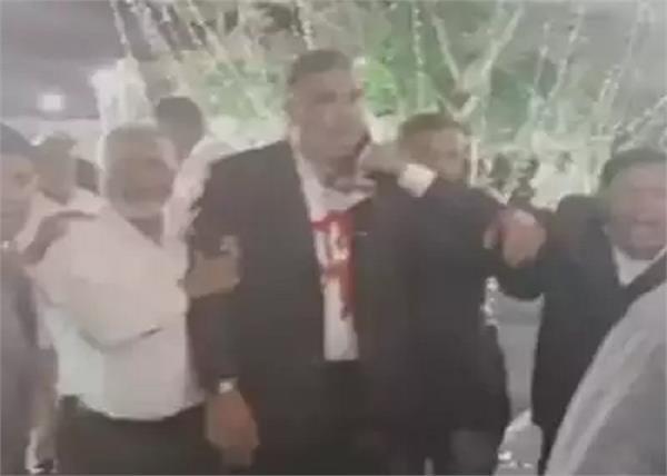 karnataka congress mla tanveer sait knife attack hospital