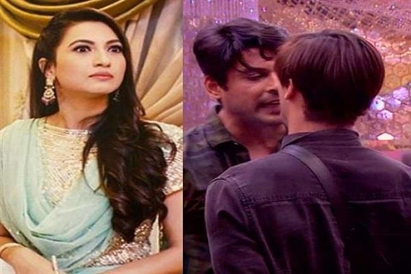 after siddharth  gauhar khan lashes out at asim  said   he is no saint