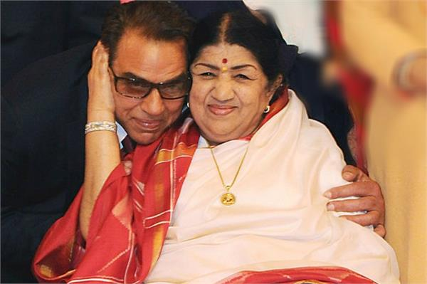 dharmendra emotional tweet for lata mangeshkar