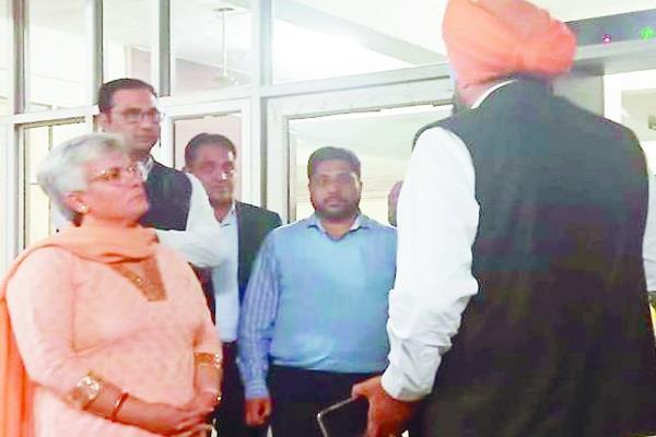 fatehgarh sahib  deputy commissioner  additional deputy commissioner  dispute