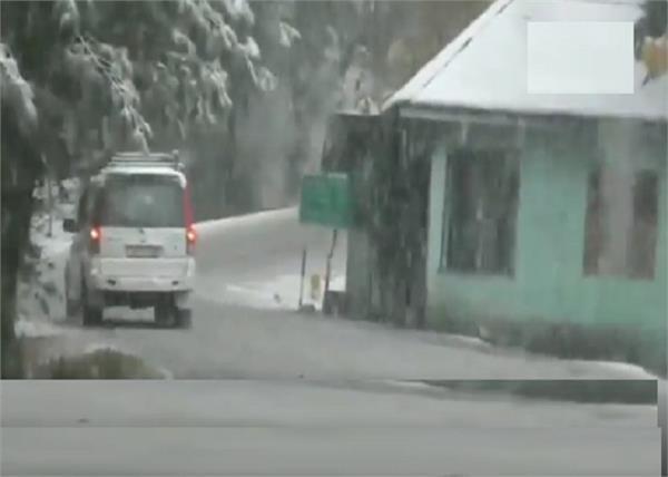 j k  baramulla district in snowfall