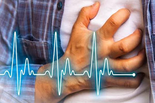 channi bjaj suffers heart attack