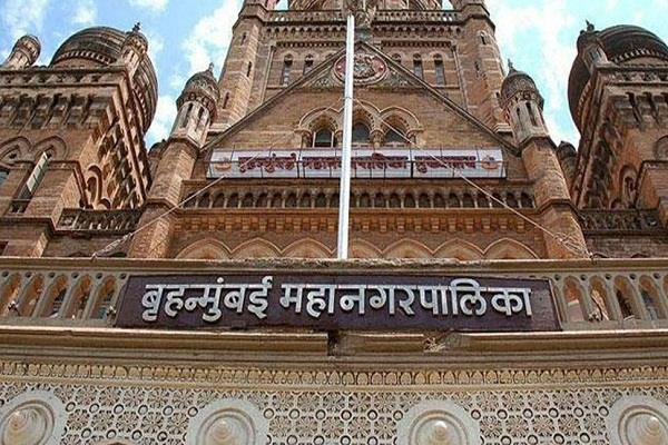 maharashtra income tax department raids 37 bmc contractors