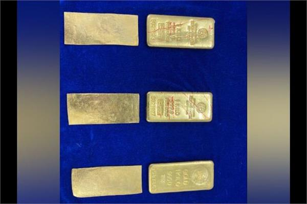 gold worth rs 1 33 crores seized from aircraft at chennai airport
