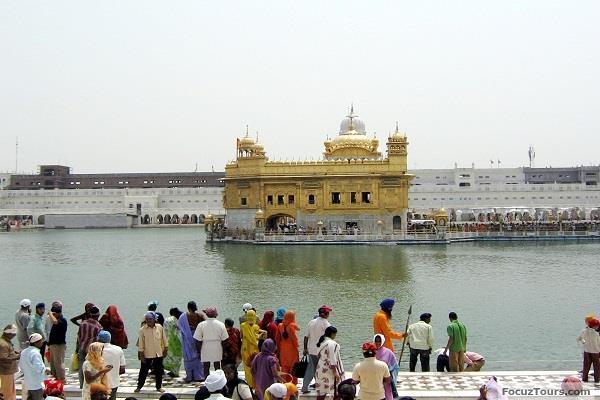 mohali tourists sri harmandir sahib