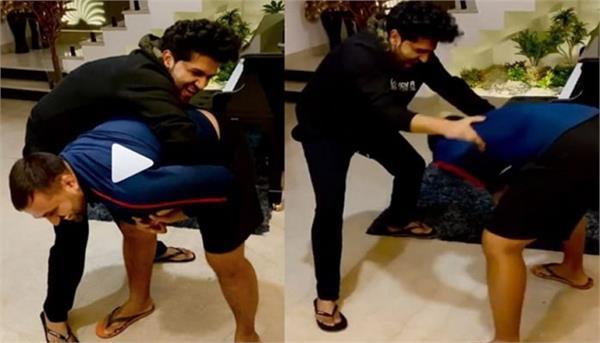 guru randhawa shares his wrestling video with sonu malik