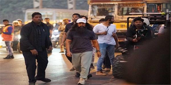 aamir khan arrives in varanasi to shooting lal singh chadha movie