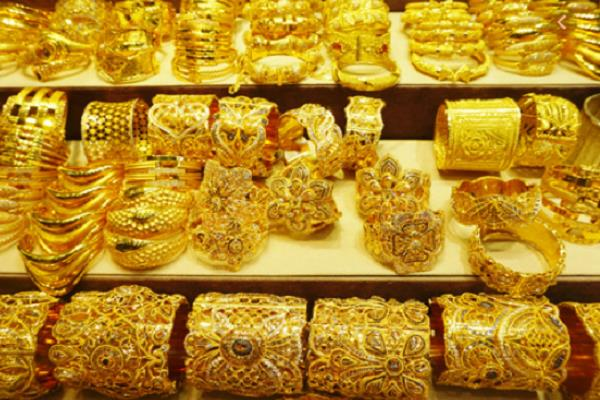 gold lost rs 80  silver another rs 250