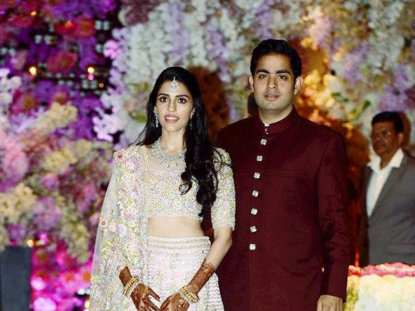 mukesh neeta ambani fixed son akash ambani wedding