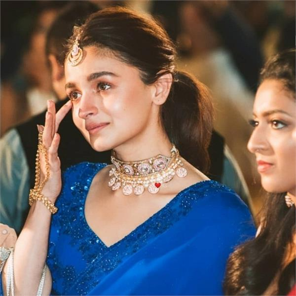 alia bhatt emotional pictures