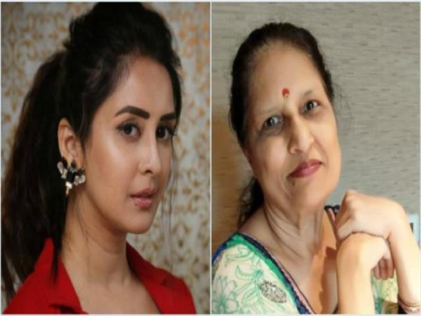 chahat khanna mother passes away