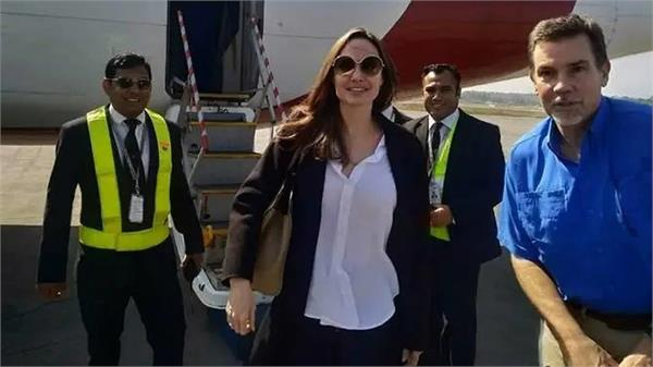 angelina jolie visits rohingya camp in bangladesh